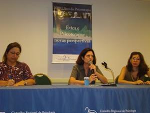 Na sequência: Elizabeth Pereira Paiva, Hebe Signorini Gonçalves e Christiane Zeitoune debateram Ética e Justiça.